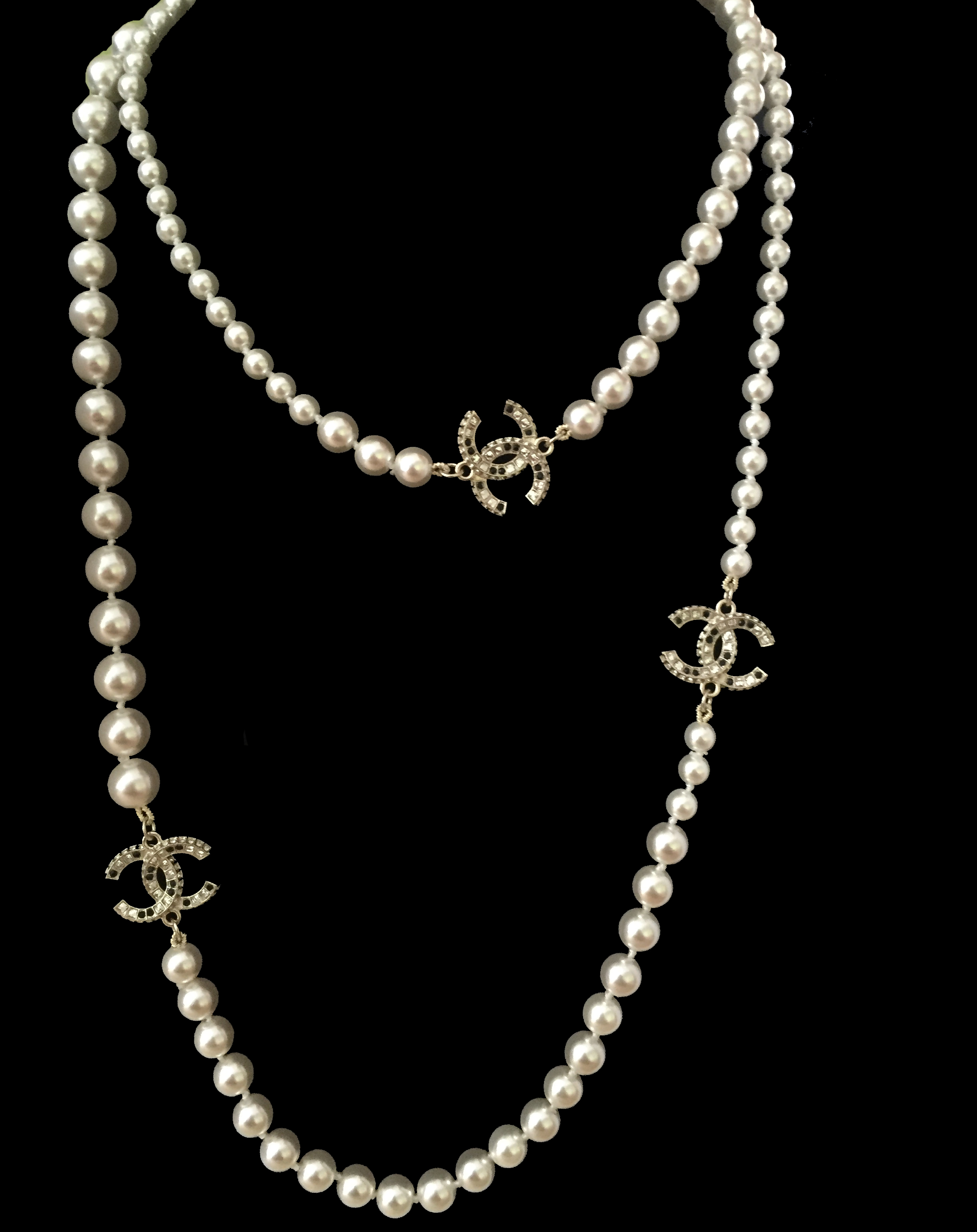 long pearl necklace 3 charms inspired chanel sofi. Black Bedroom Furniture Sets. Home Design Ideas