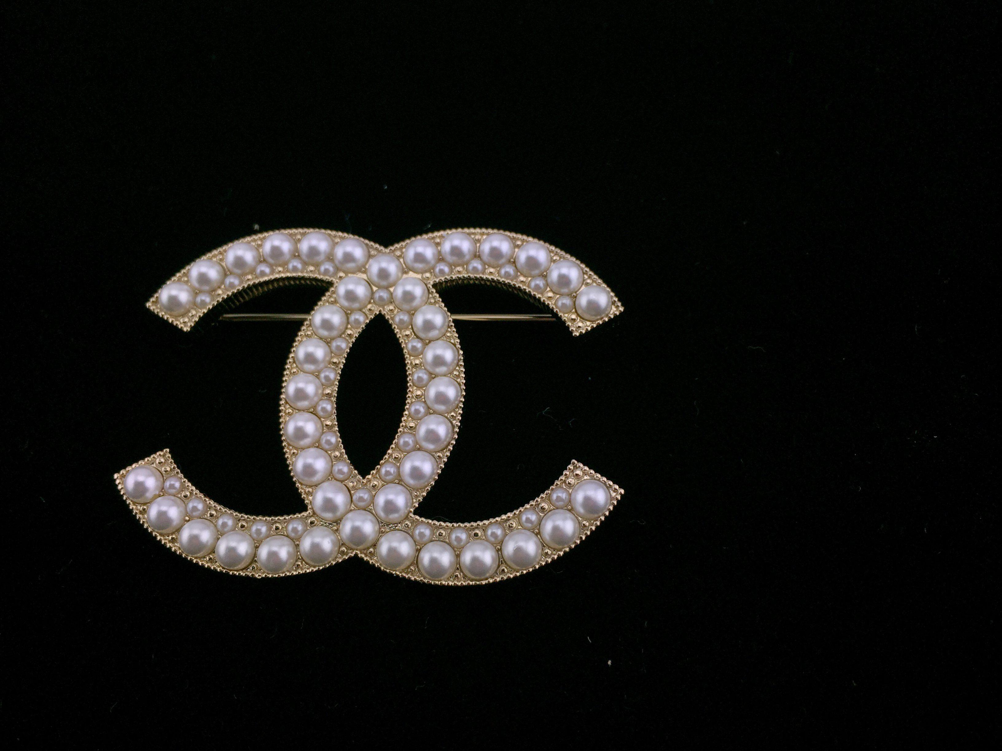 e1f249dd123 Gold Pearl Brooch Inspired